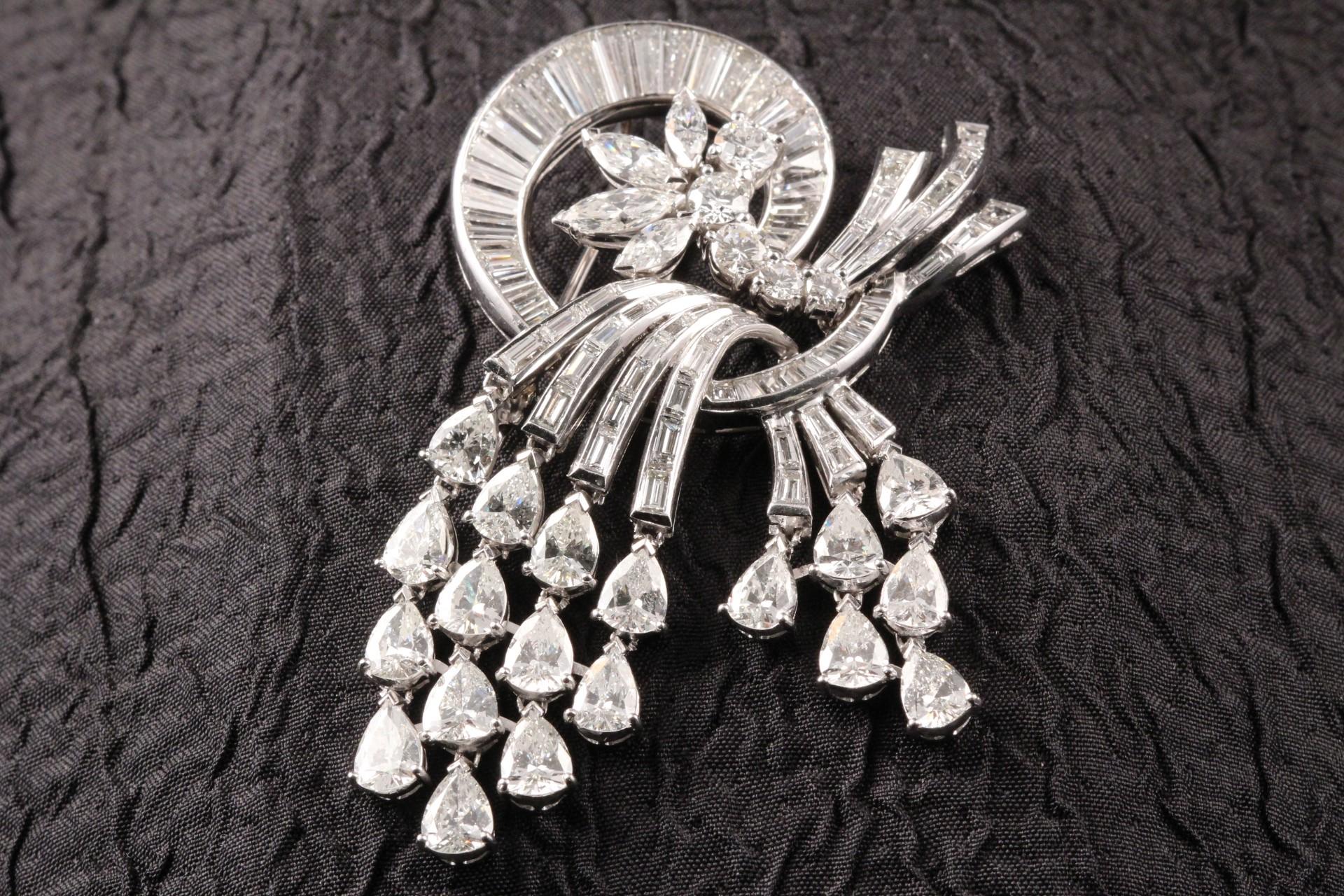 Diamond Hanging Branchs Pin